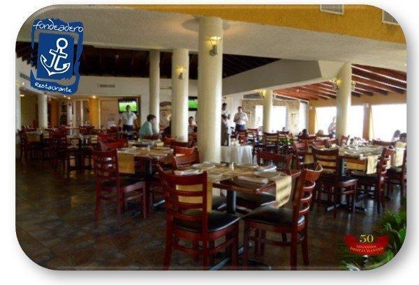 cabecera-ovalada-restaurante-el-fondeadero-600x400