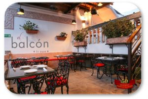 rotulo-oval-restaurante-el-balcon-de-ouzo-santa-marta-1000x666